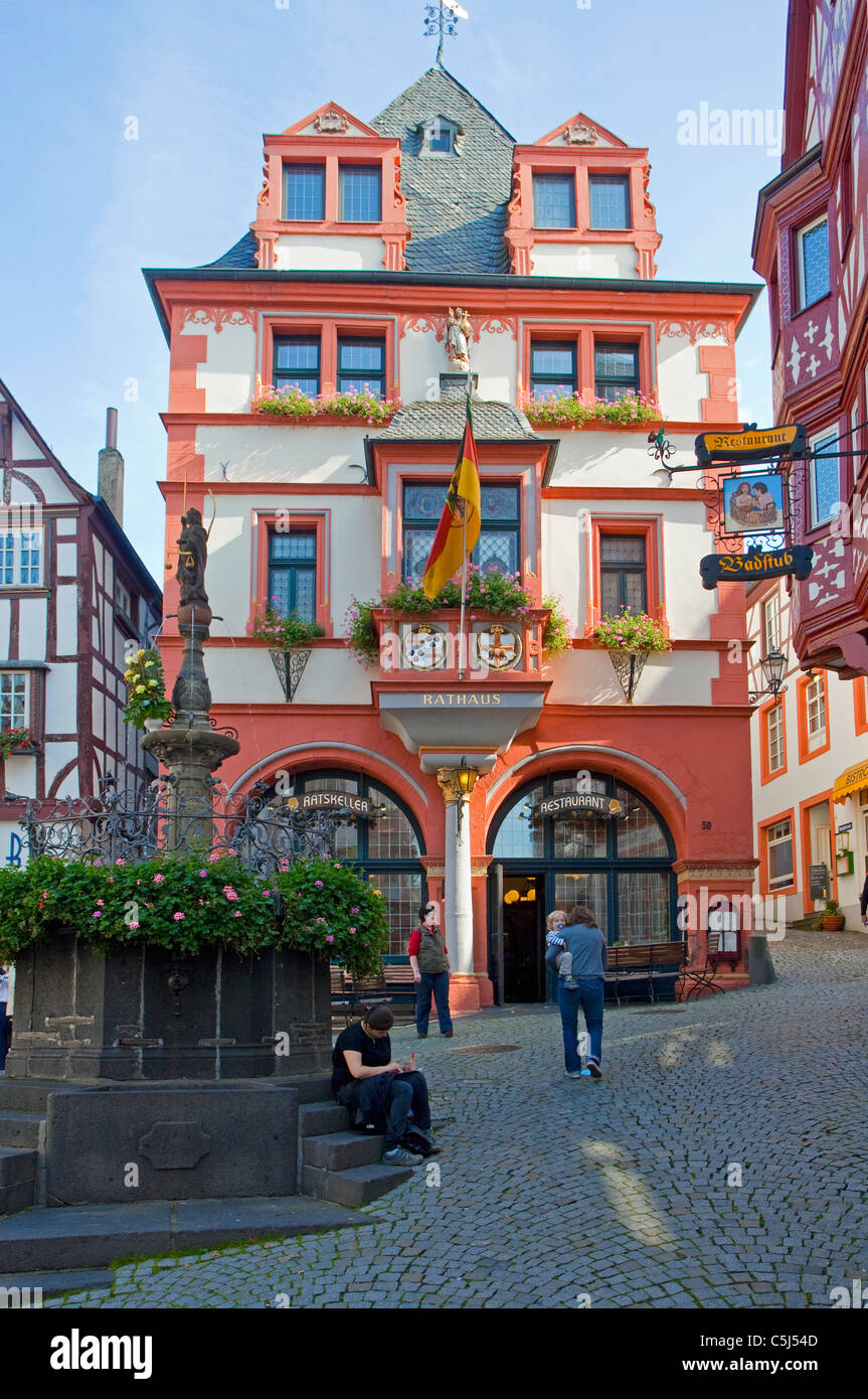 Historische Haeuser Im Zentrum von Bernkastel-Kues, historische Häuser im Zentrum von Bernkastel-Kues Stockbild