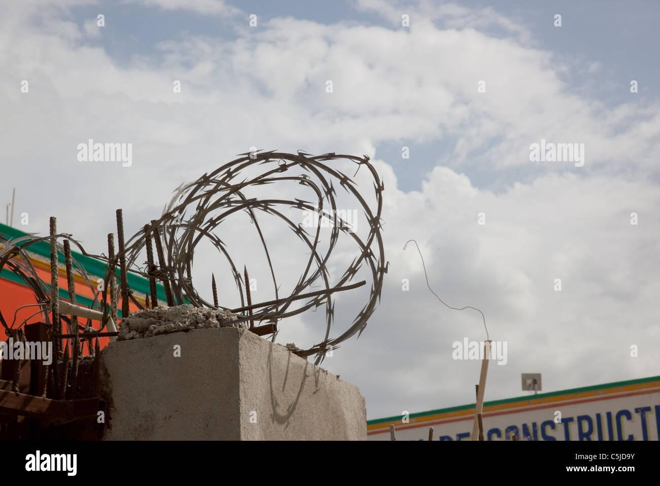 Ziemlich Konzertina Draht Vietnam Fotos - Elektrische Schaltplan ...