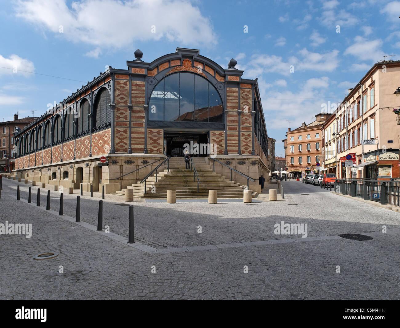 Markthalle in Albi. Stockbild