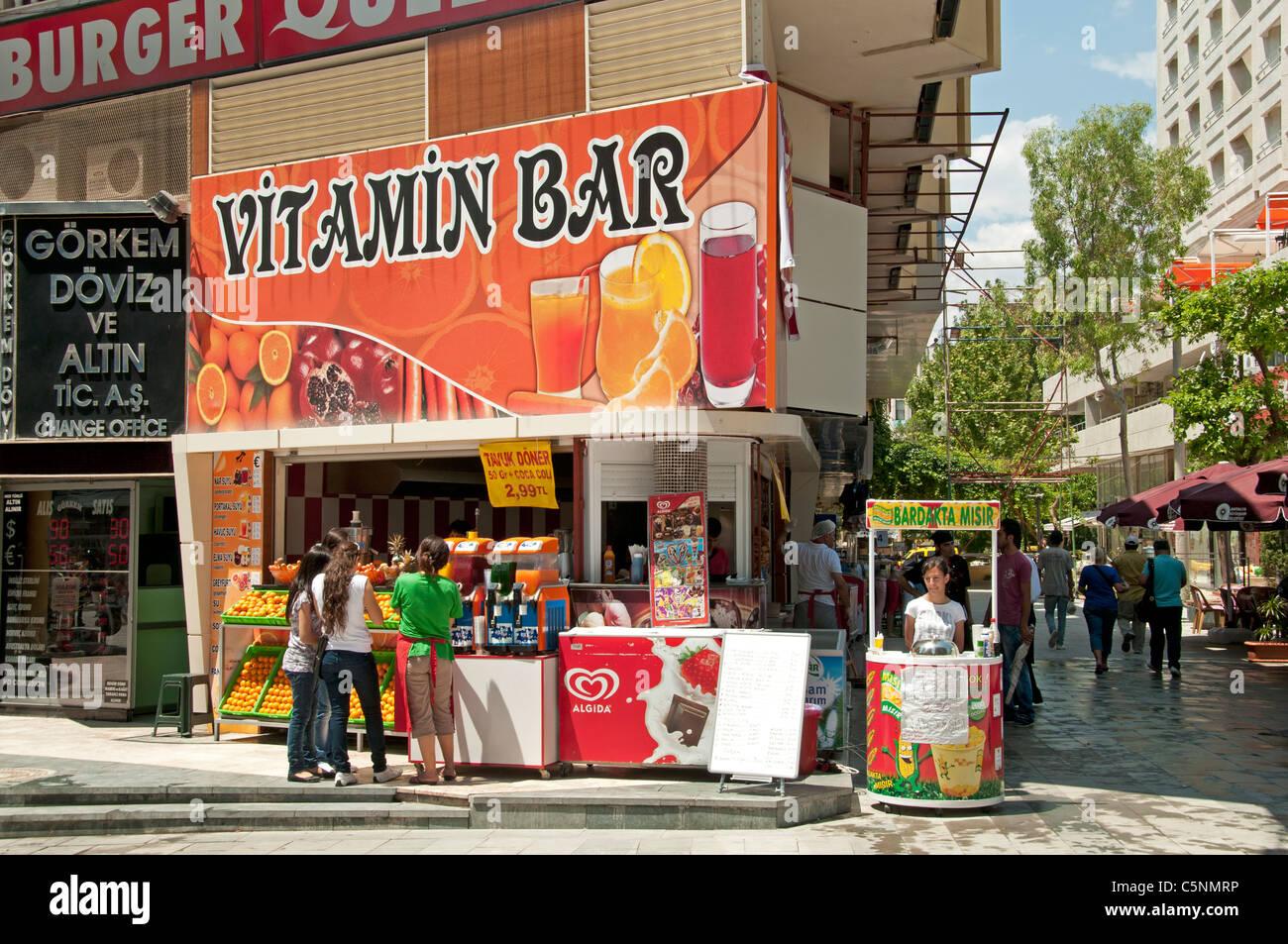 Orange Juice Vitamin Bar Antalya Türkei Stockbild