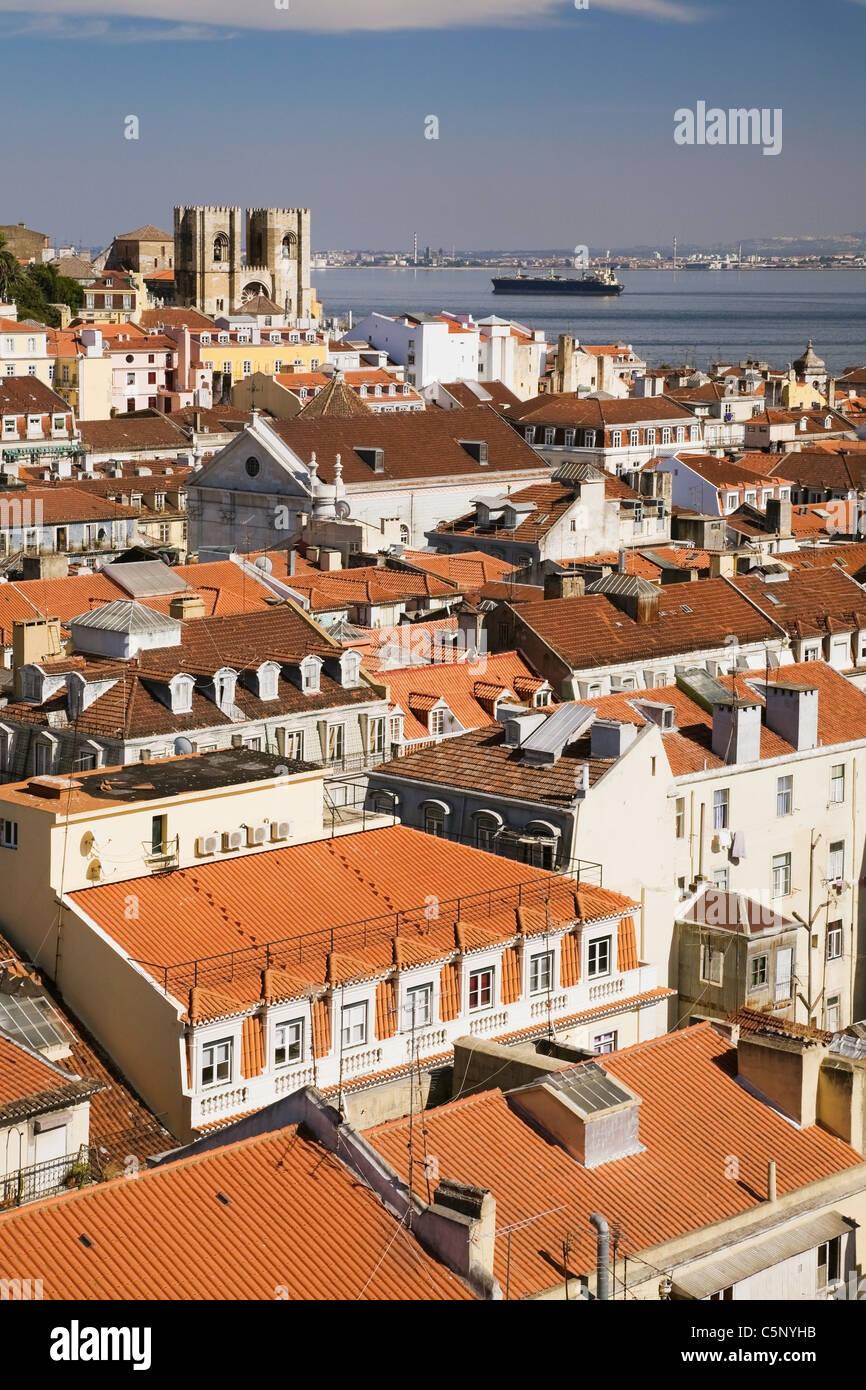 Lissabon Fluss dächer lissabon und tejo fluss santa justa aufzug portugal