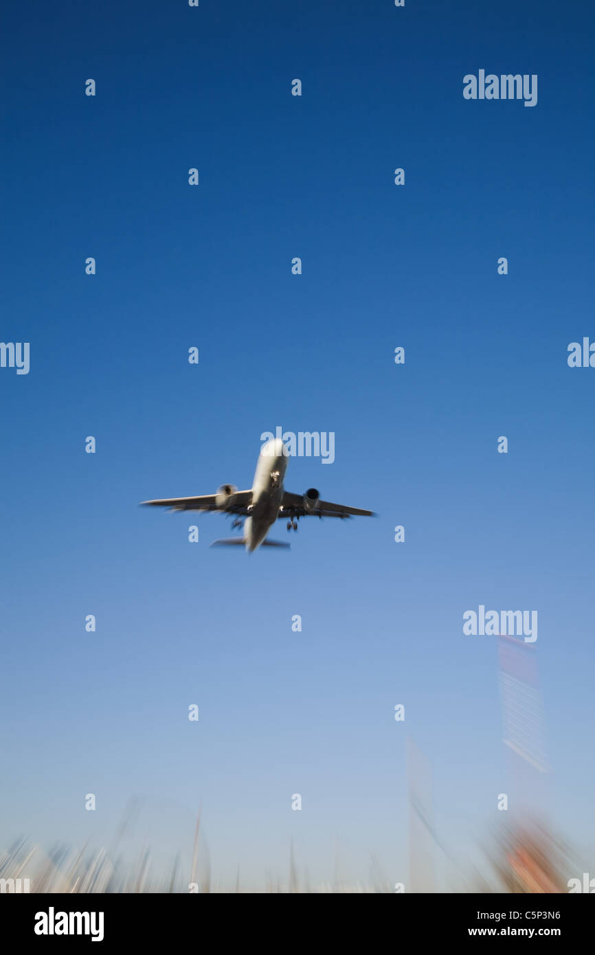 Flugzeug im Flug Stockbild