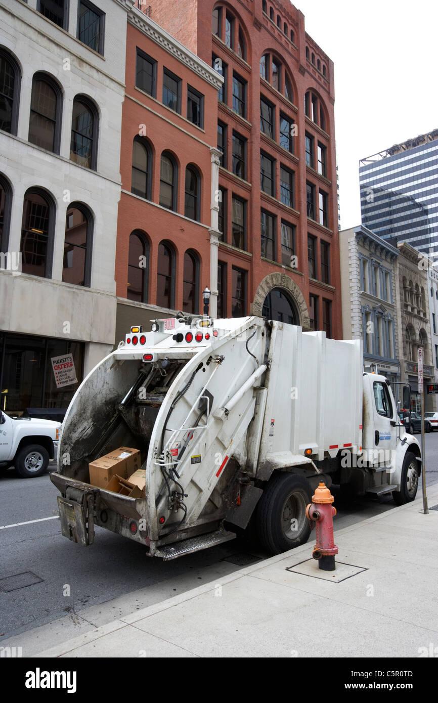 Pappe Müll in Müllwagen Nashville Tennessee USA Stockbild