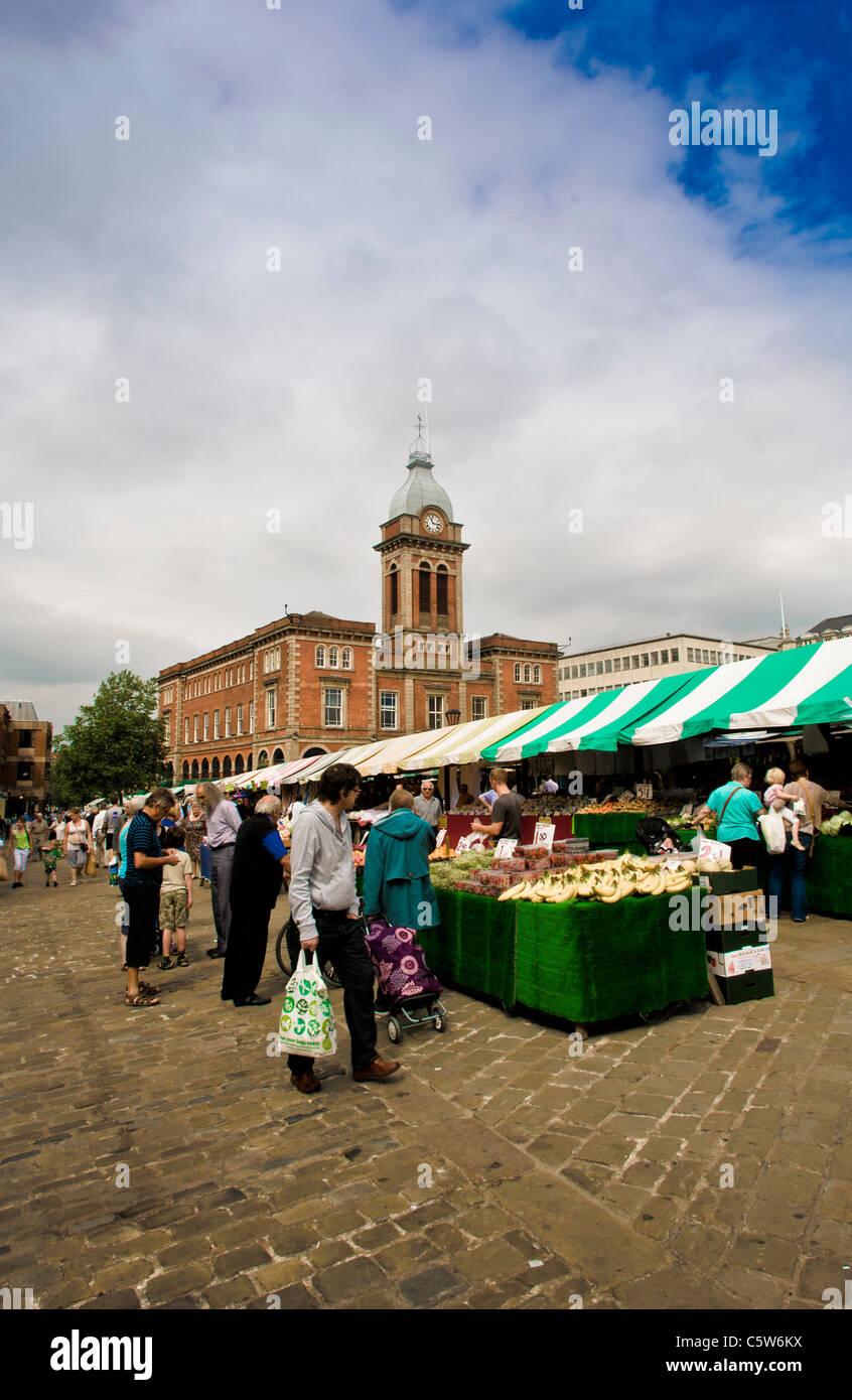 Chesterfield-Markthalle und outdoor-Markt. Stockbild