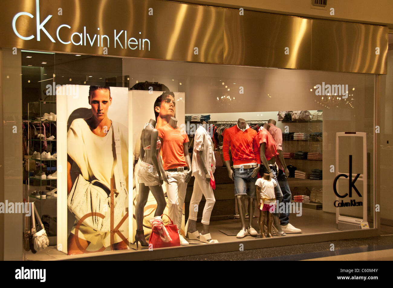 Calvin Klein Istanbul Istinye Park Einkaufszentrum ist eine einzigartige urbanen Lifestyle-Umgebung Stockbild