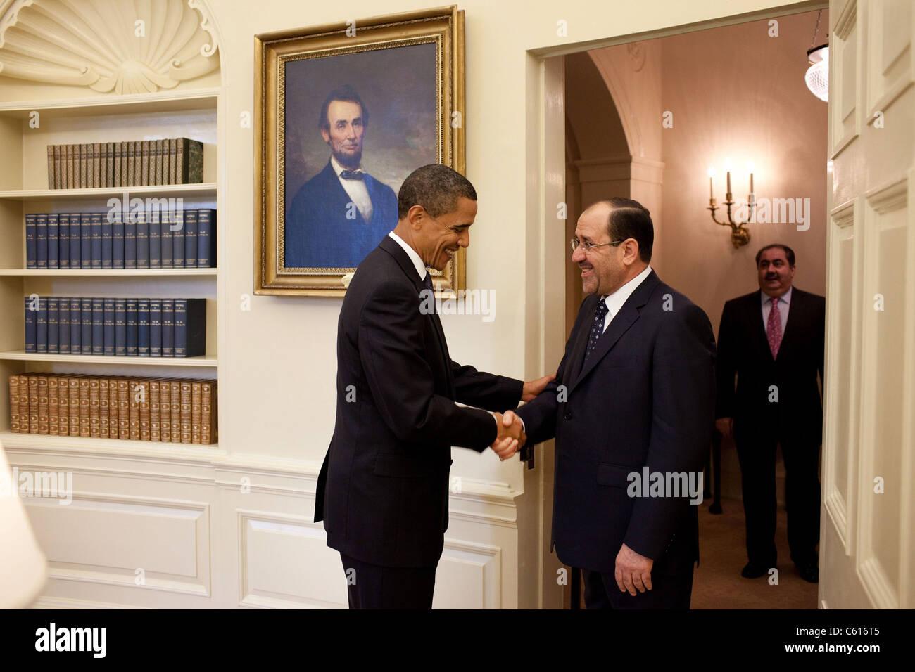 Präsident Obama grüßt der irakische Ministerpräsident Maliki im Oval Office am 22. Juli 2009. Stockbild