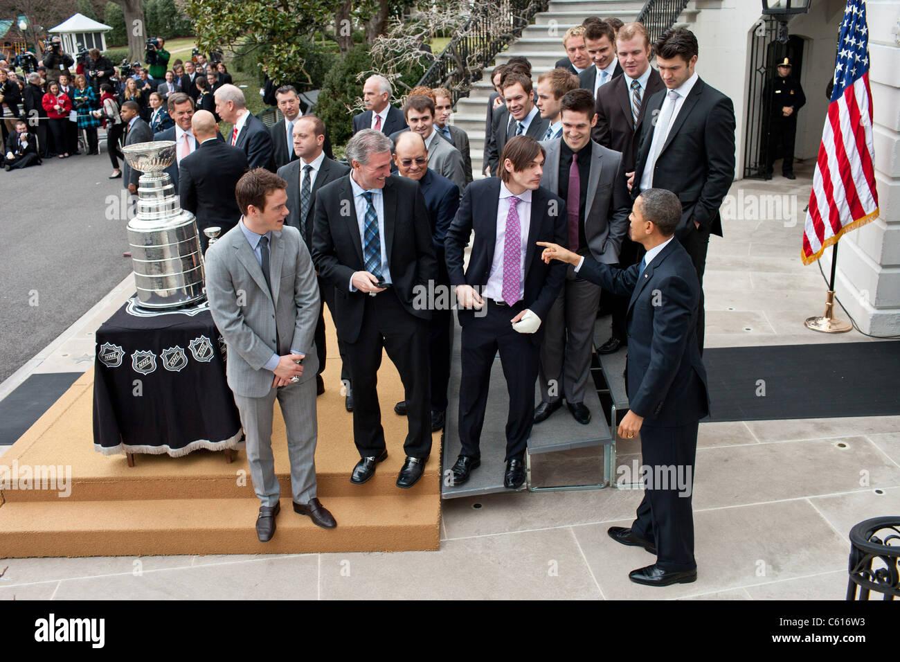 Präsident Obama ehrt Mitglieder der Stanley Cup Champions 2009 / 10 den Chicago Blackhawks im Weißen Haus Stockbild