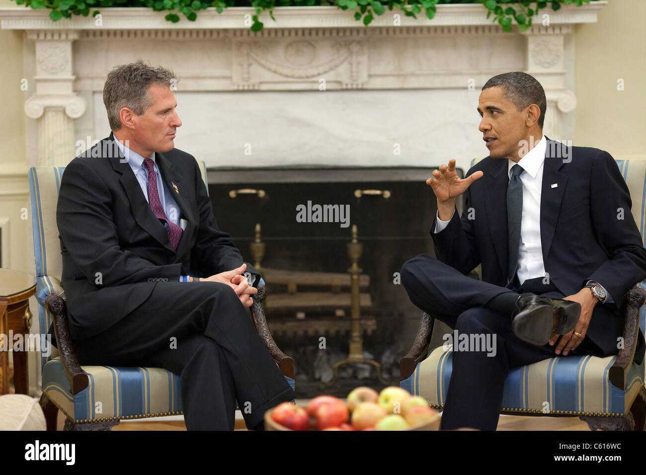Präsident Obama trifft sich mit Senator Scott Brown, eine Nachwahl im Januar Ted Kennedy erfolgreich gewonnen. Stockbild