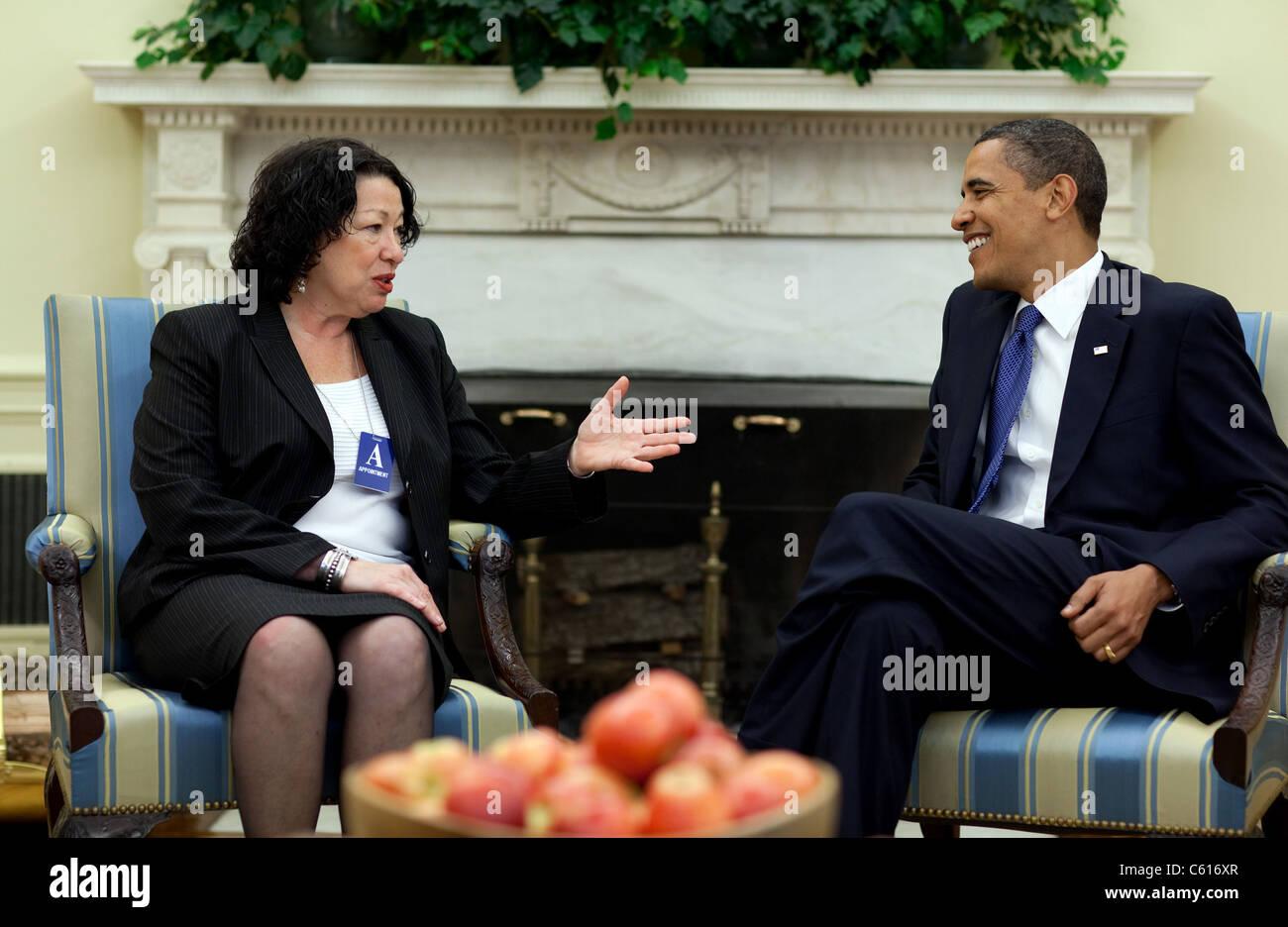 Präsident Obama trifft sich mit Richterin Sonia Sotomayor am 21. Mai 2009 fünf Tage vor ihrer Nominierung Stockbild