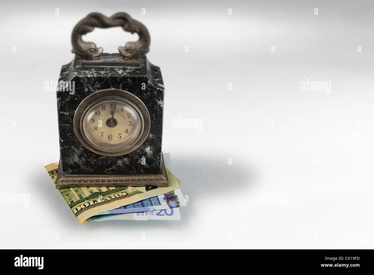 Euro Clock Stockfotos & Euro Clock Bilder - Alamy