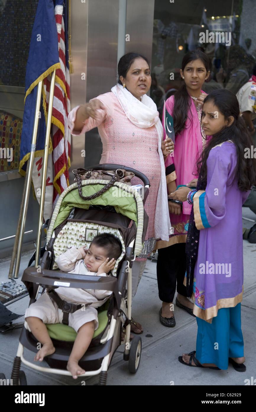2011: pakistanische Independence Day Parade, New York Madison Ave. Stockbild