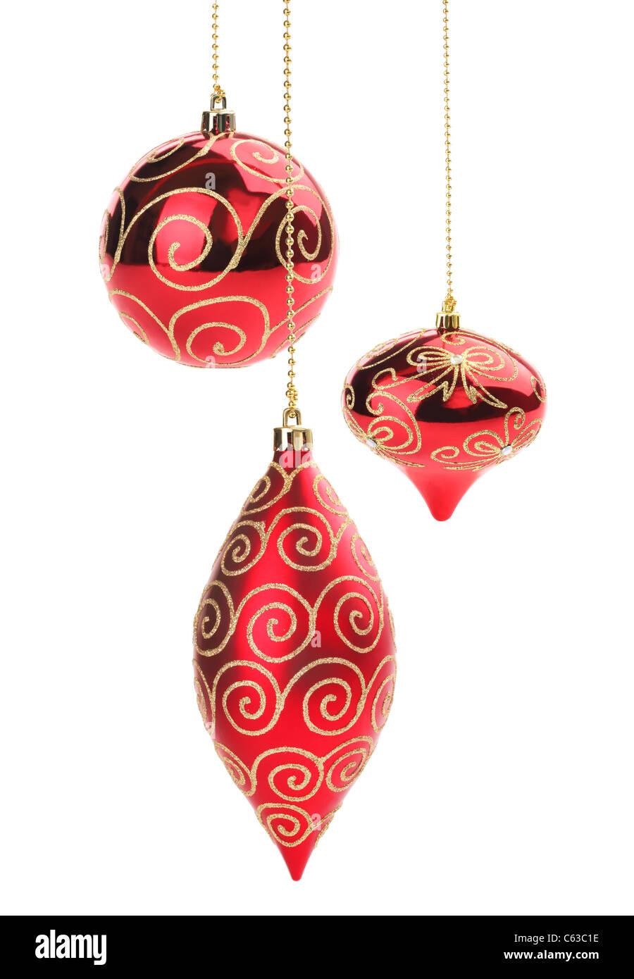 satz von roten weihnachtskugeln isoliert auf wei em. Black Bedroom Furniture Sets. Home Design Ideas