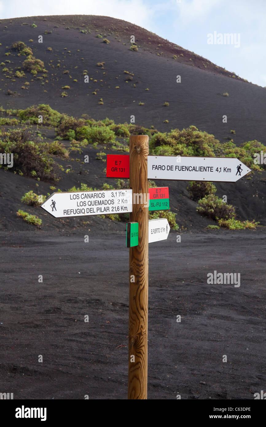 Hinweisschild, vulkanische Landschaft, Fuencaliente, Los Canarios, La Palma, Kanarische Inseln, Spanien, Europa Stockbild