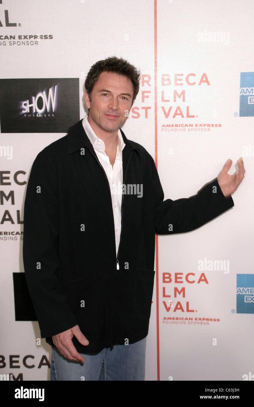 Tim Daley im Ankunftsbereich für Showbusiness Weltpremiere beim Tribeca Film Festival, Tribeca Performing Arts Stockbild