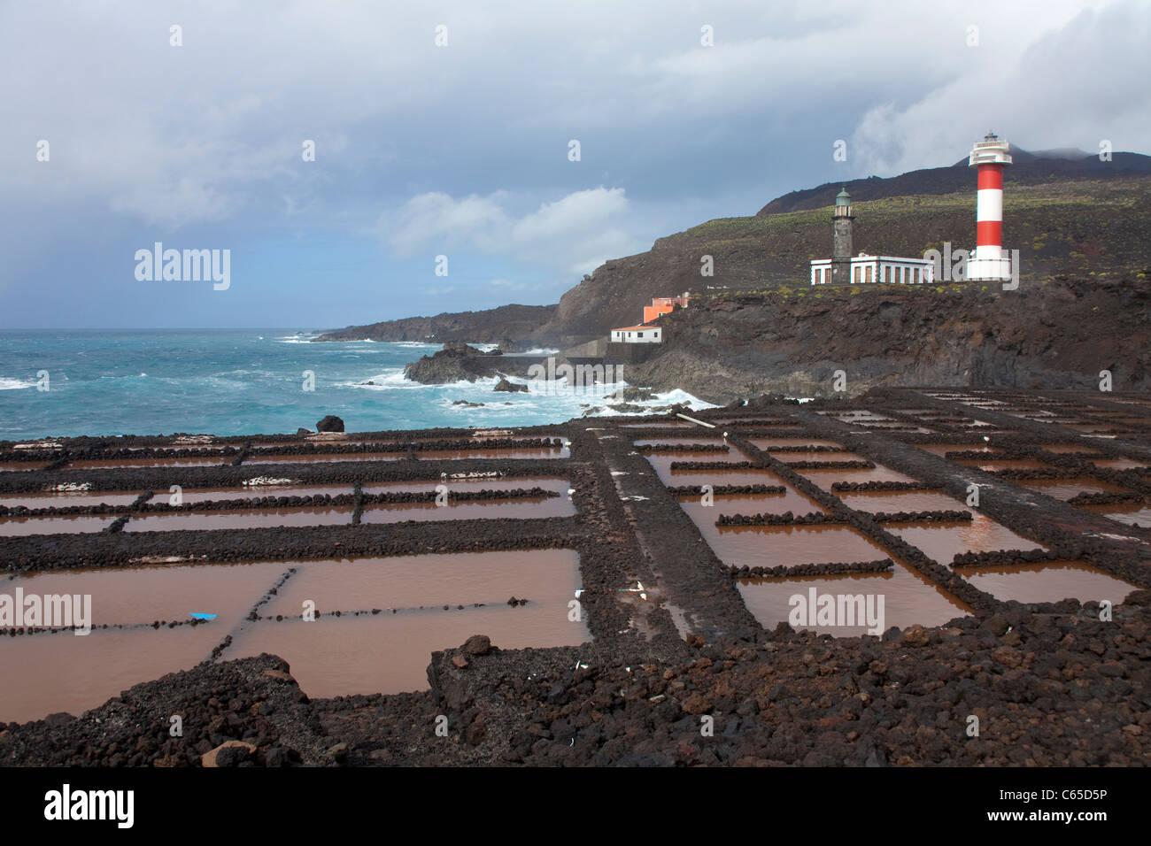 Kochsalzlösung Teneguia, neue und alte Leuchtturm Faro de Fuencaliente, South Coast, La Palma, Kanarische Inseln, Stockbild