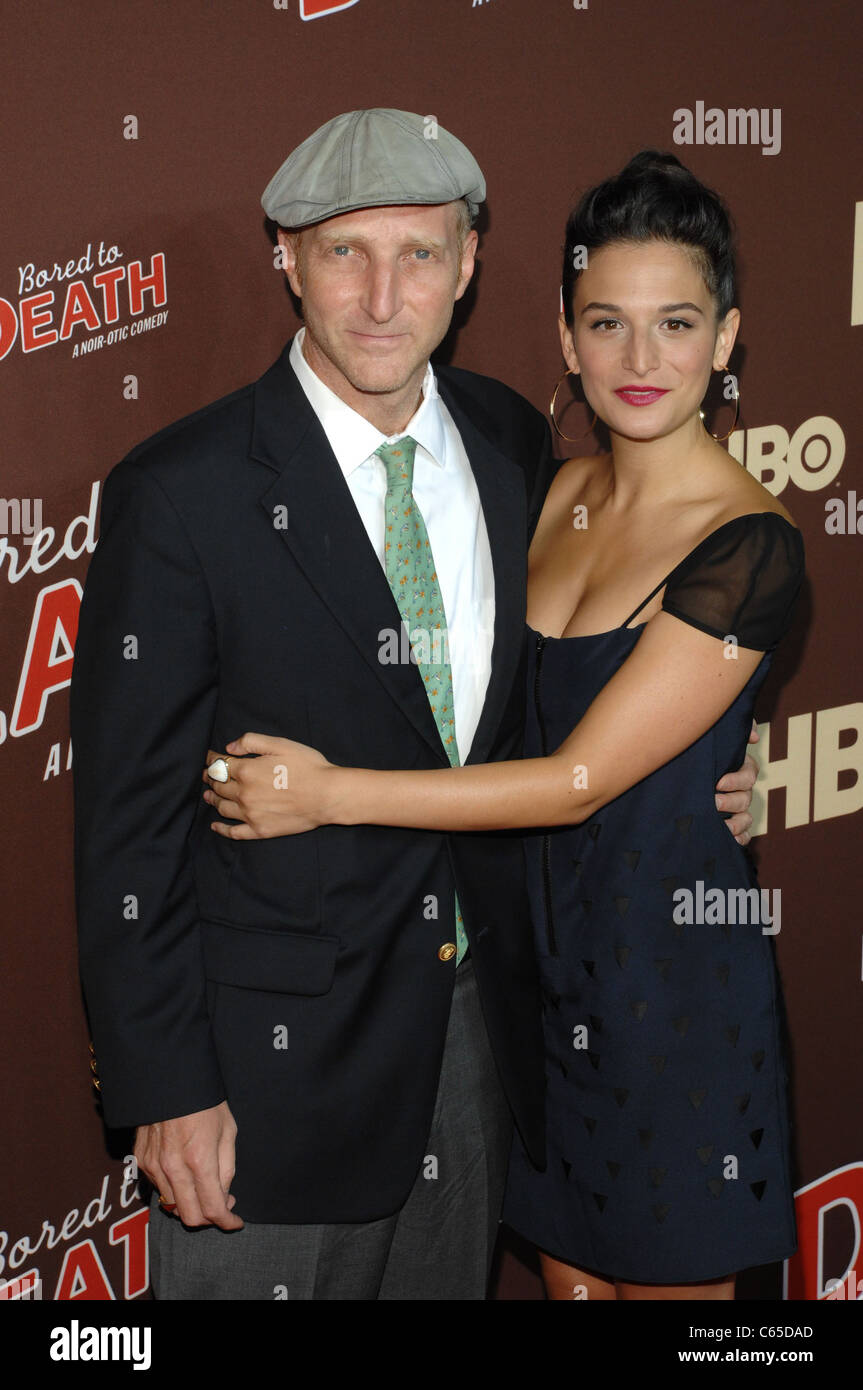 Jonathan Ames Jenny Slate Im Ankunftsbereich Für Bored To Death