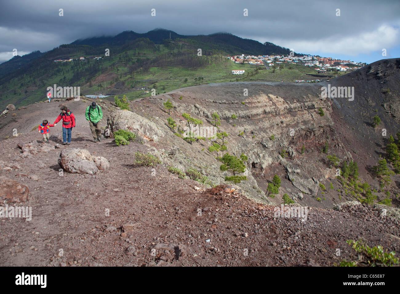 Menschen bin Vulkan San Antonio, Fuencaliente, Los Canarios, Menschen auf den Vulkan San Antonio, Fuencaliente, Stockbild