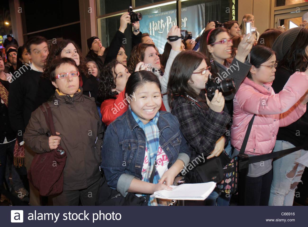 New York New York City NYC Midtown Manhattan 44th Street Harry Potter Ausstellung Red Carpet Event Eröffnung fans Stockfoto