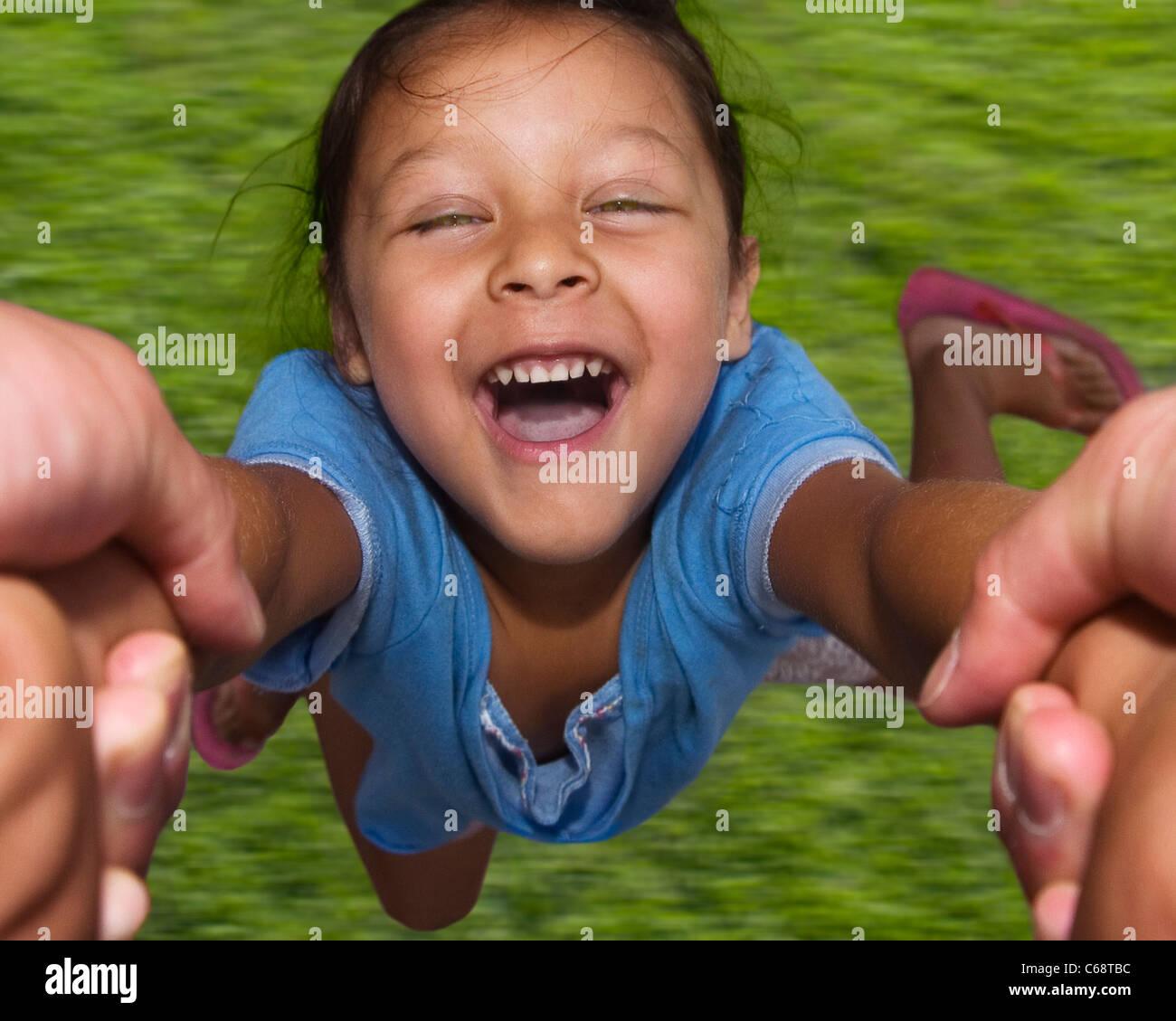 AUFRICHTIGEN Lächeln Lächeln spanischen SPEED SPIN SPINNING spirit Sommer winzige zusammen miteinander Stockbild