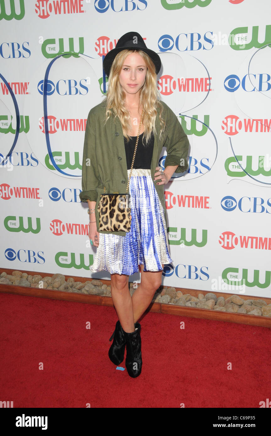 Gillian Zinser im Ankunftsbereich für CBS, The CW und Showtime Sommer 2011 TCA Tour, die Pagode, Los Angeles, Stockbild