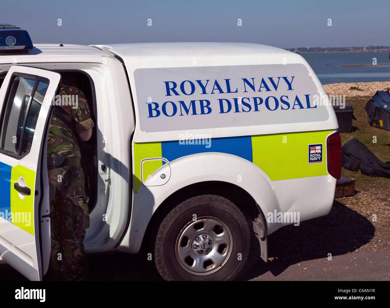 Royal Navy Bombenentschärfung Fahrzeug van Notfallmaßnahmen diffuse machen sicher sprengen Berufsarmee Stockbild