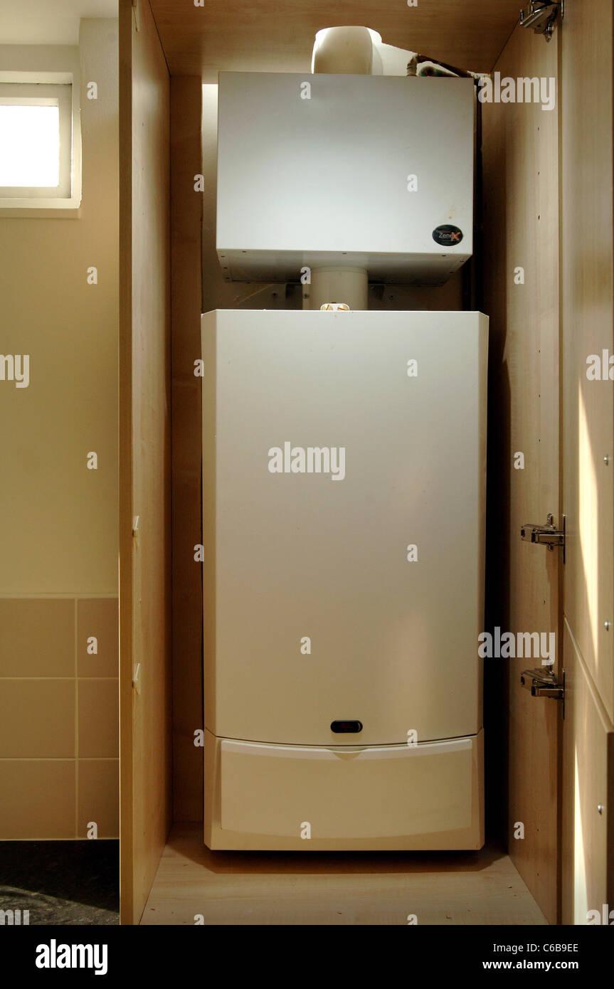 Hot Water Boiler Stockfotos & Hot Water Boiler Bilder - Alamy
