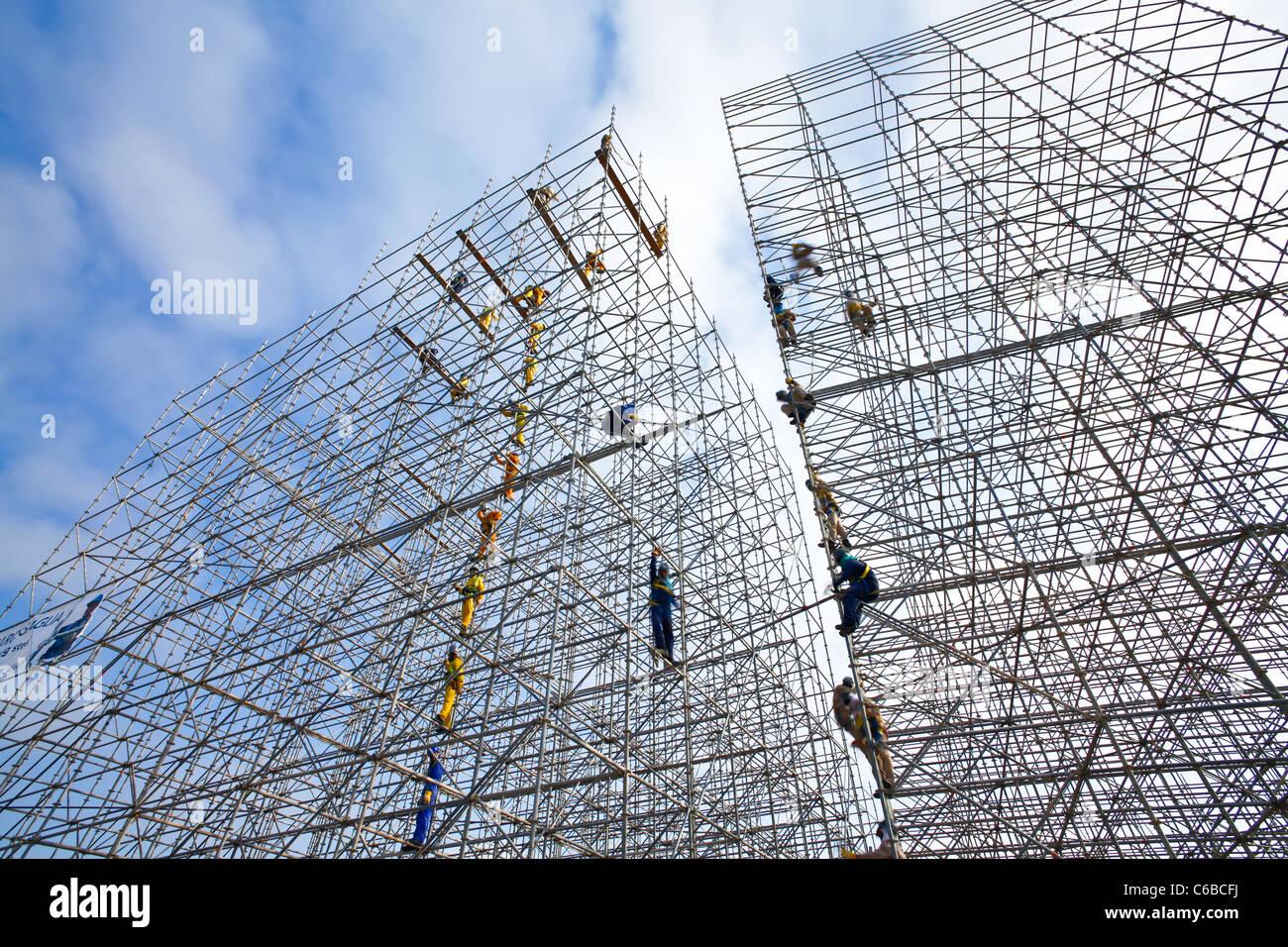 Katar, Naher Osten, Arabische Halbinsel, Doha, Gerüstbau in Central Doha errichtet Stockbild