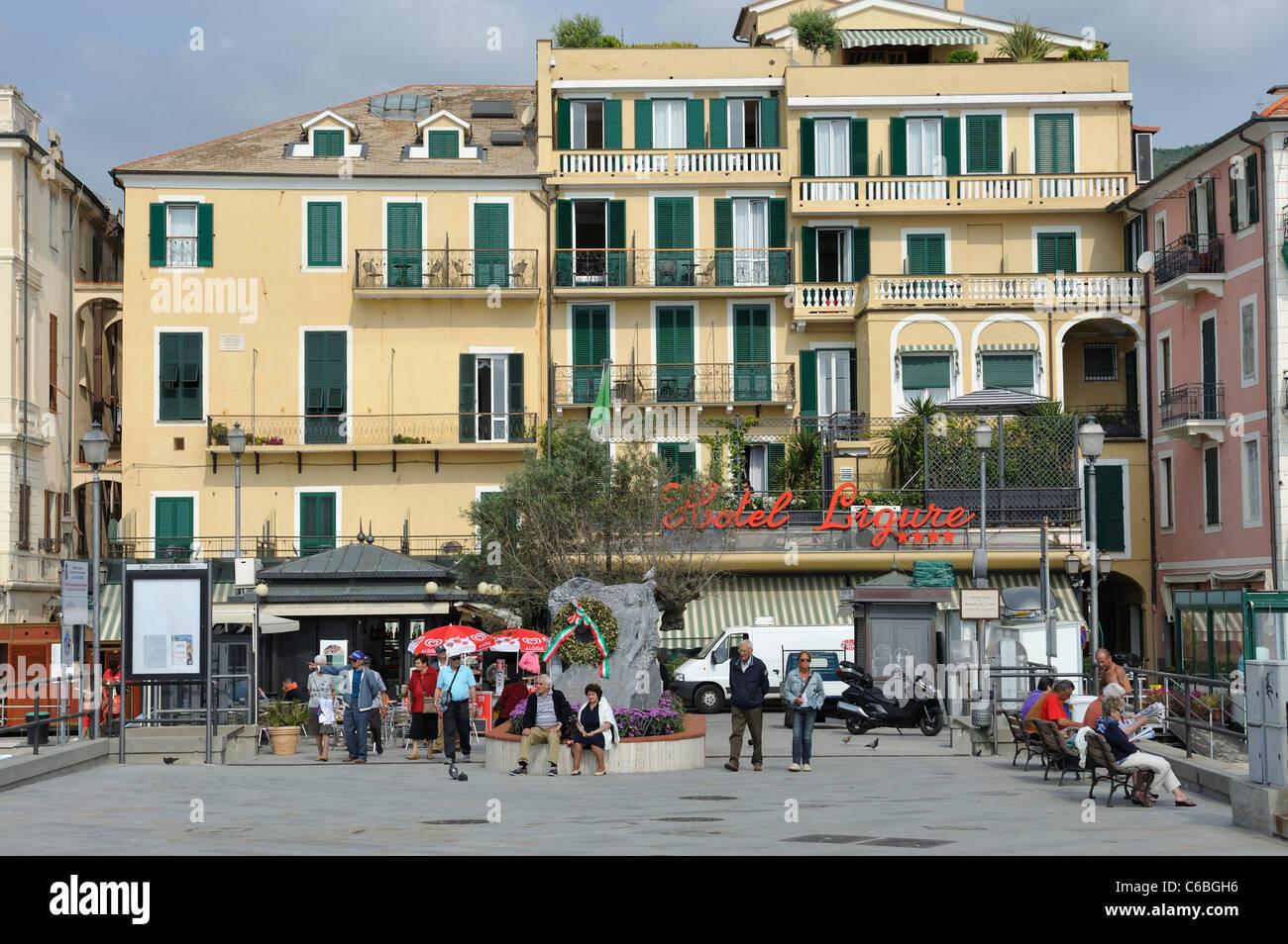 Meer Und Hotel Alassio Ligurien Italien An Der Italienischen Riviera