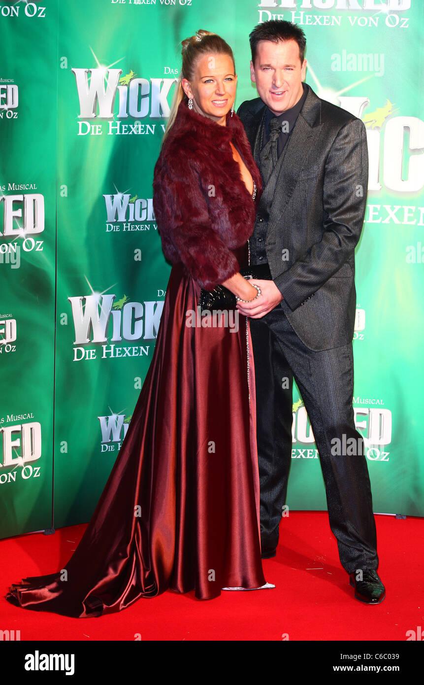 Michael Wendler Frau Claudia Bei Der Premiere Des Musicals Wicked