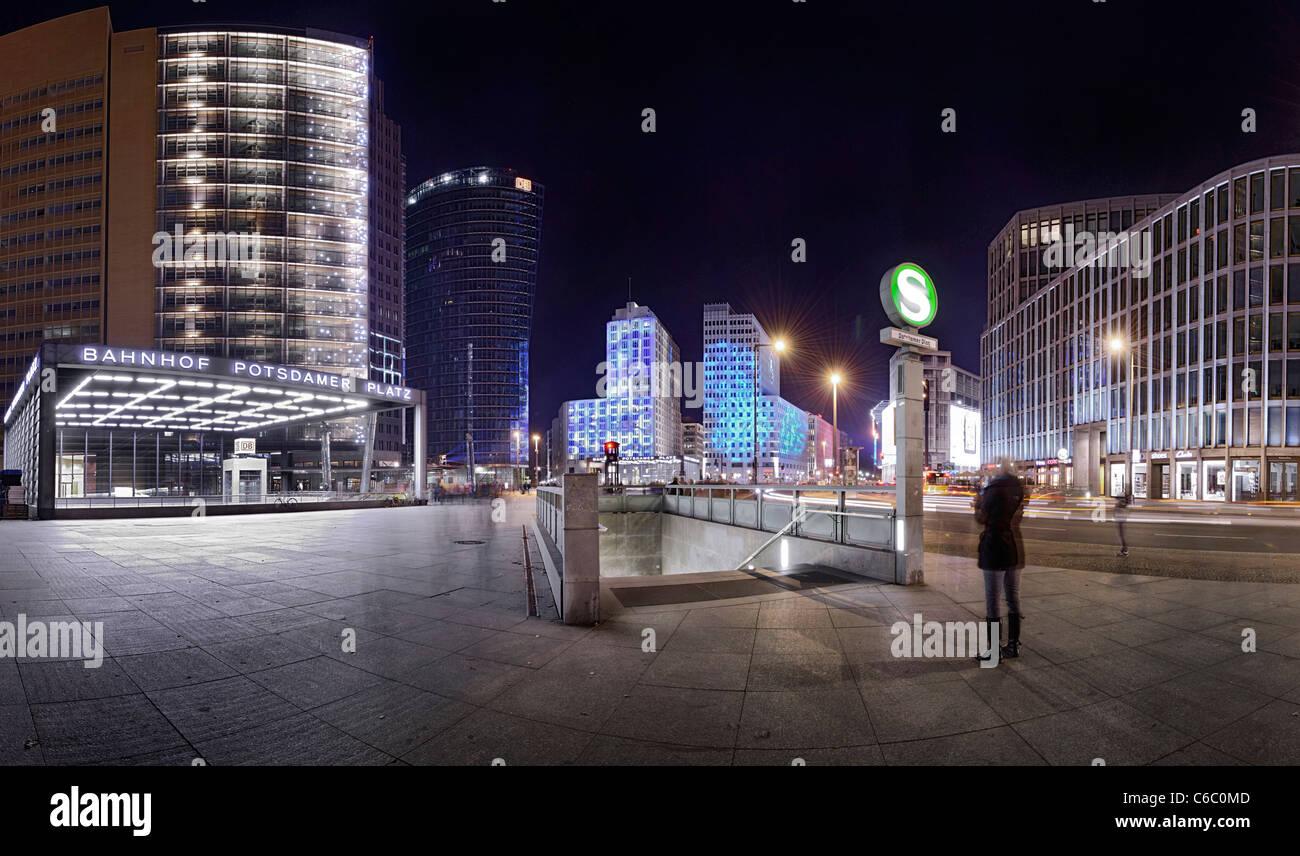 panorama nacht hochh user am potsdamer platz platz pwc geb ude sony center db tower und. Black Bedroom Furniture Sets. Home Design Ideas