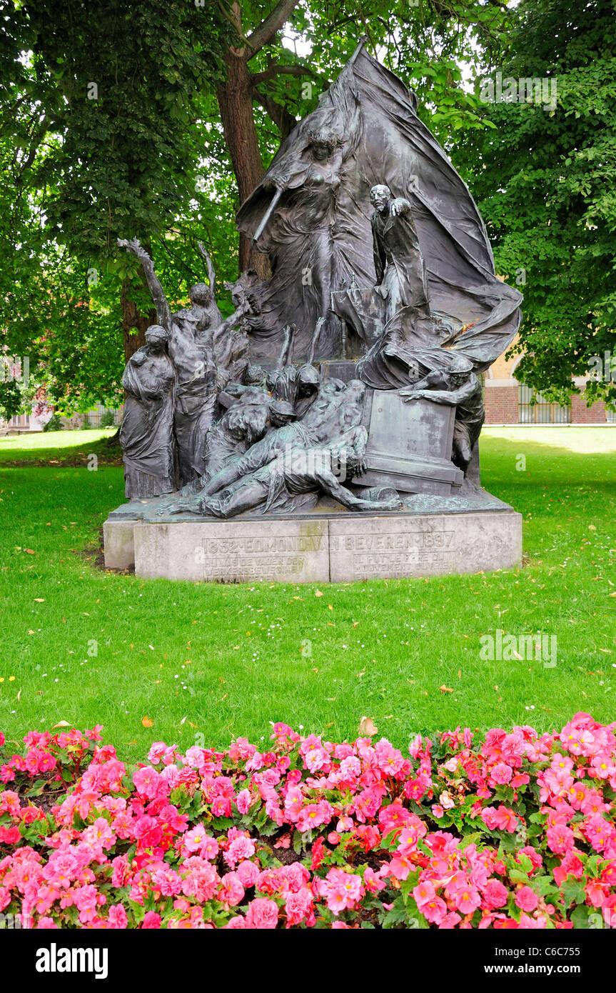 Gent, Belgien. Citadelpark. Denkmal für Edmond van Breveren (1852-94: Prominente Sozialist, Gründer der Stockbild