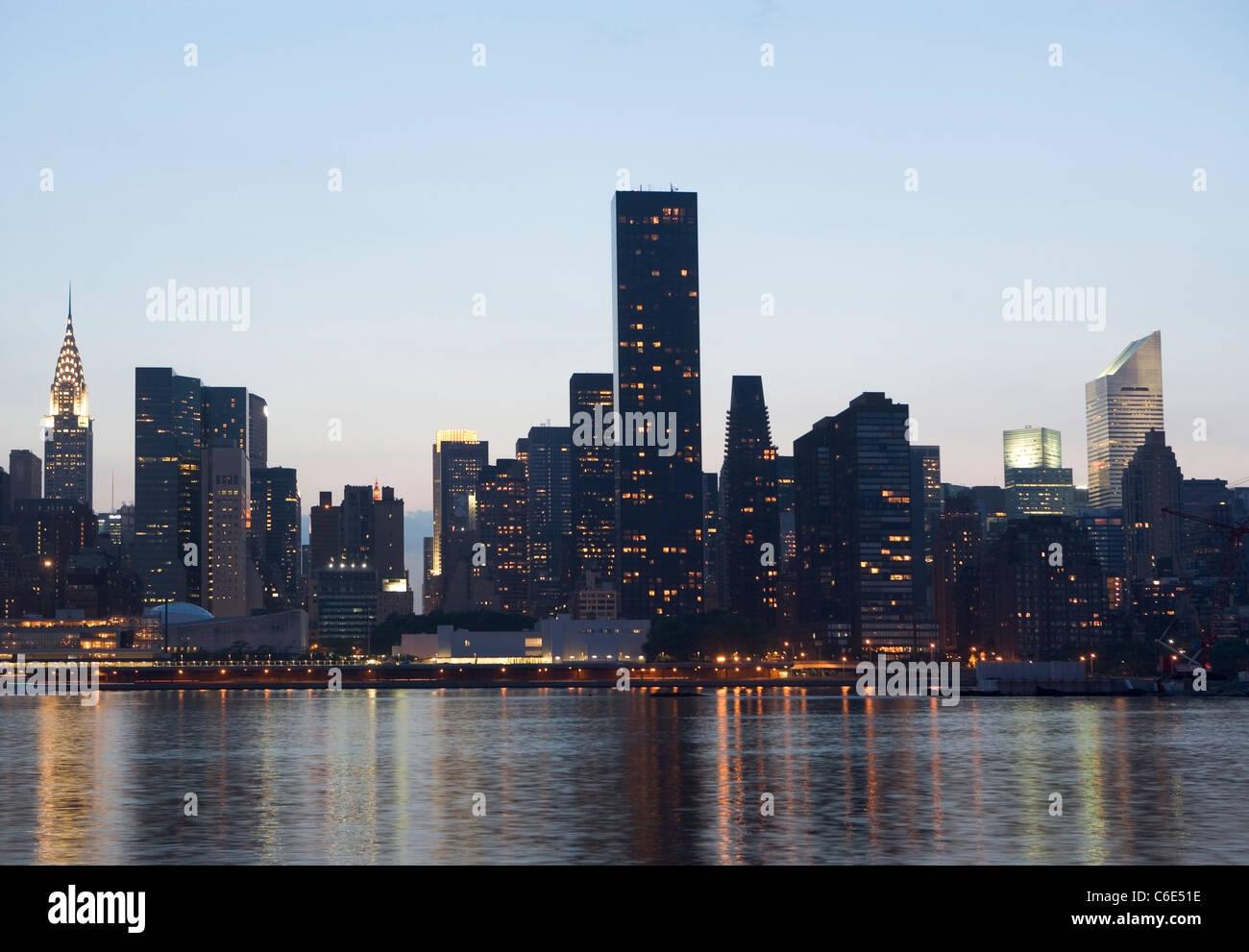 USA, New York State, New York City Skyline von Downtown Stockbild
