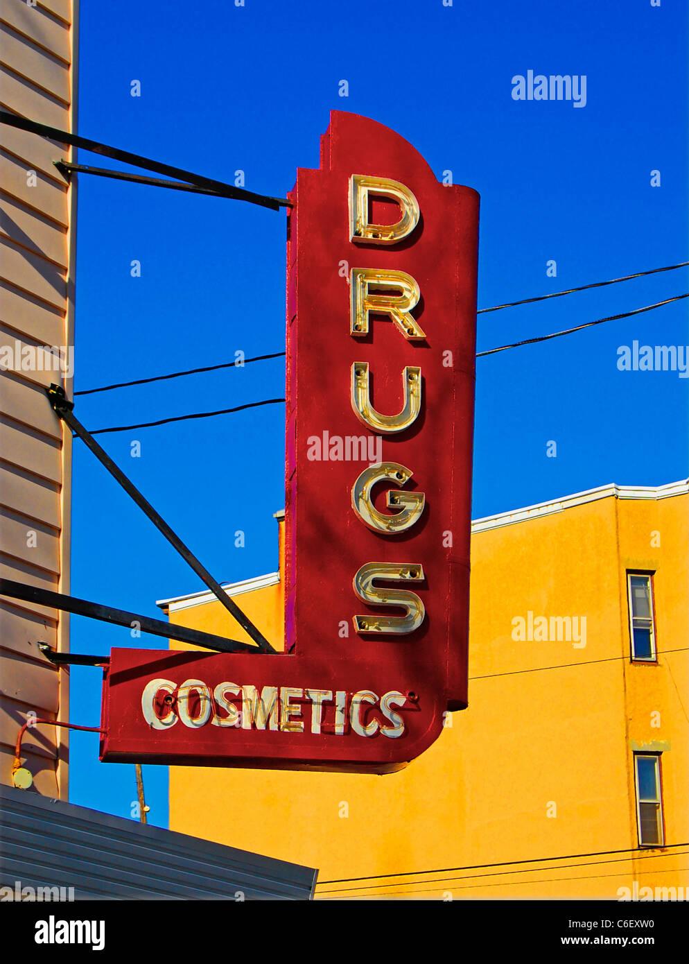 Vintage, Antik hell rot Medikamente, Kosmetik Zeichen, Jersey city Stockbild
