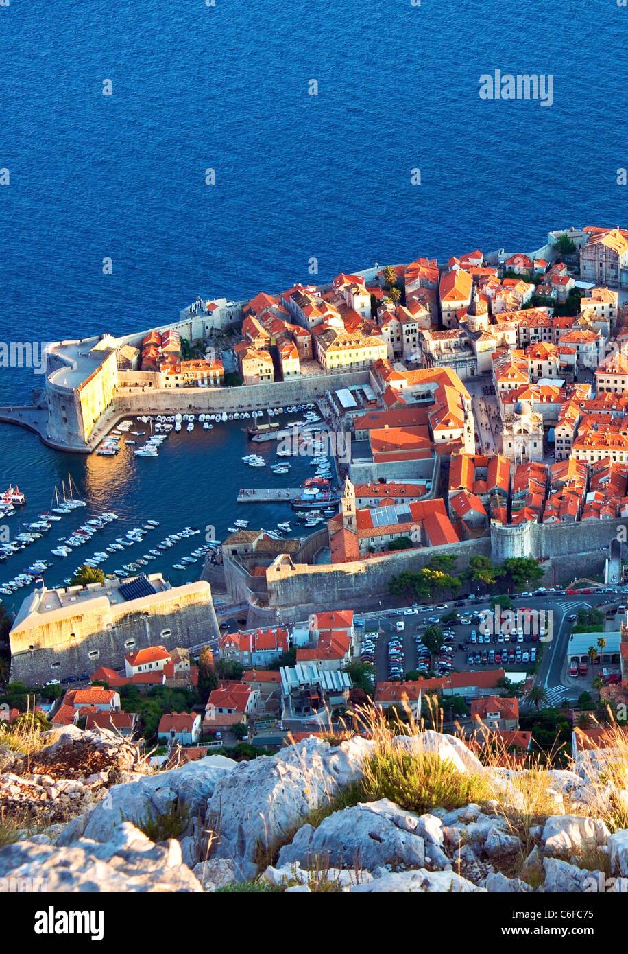 Dubrovnik, Kroatien, Wände, Hafen, Altstadt, am späten Abend Stockfoto