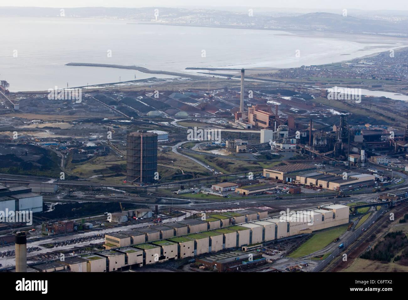 eine Luftaufnahme des Port Talbot Stahlwerk im Besitz von Indian Steel Riesen TATA. Stockfoto
