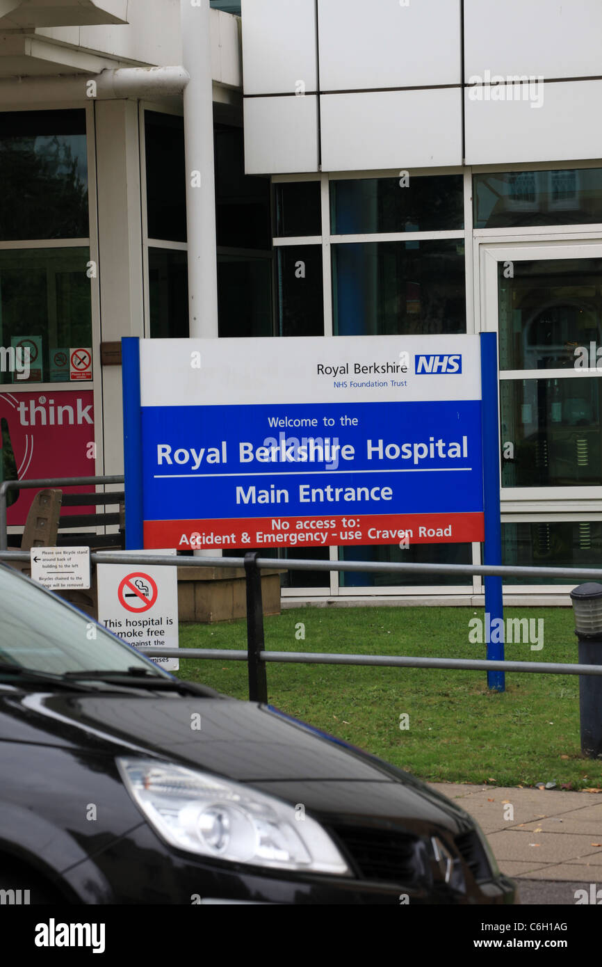 Königliche Berkshire Hospital Lesung NHS-Zeichen Stockbild