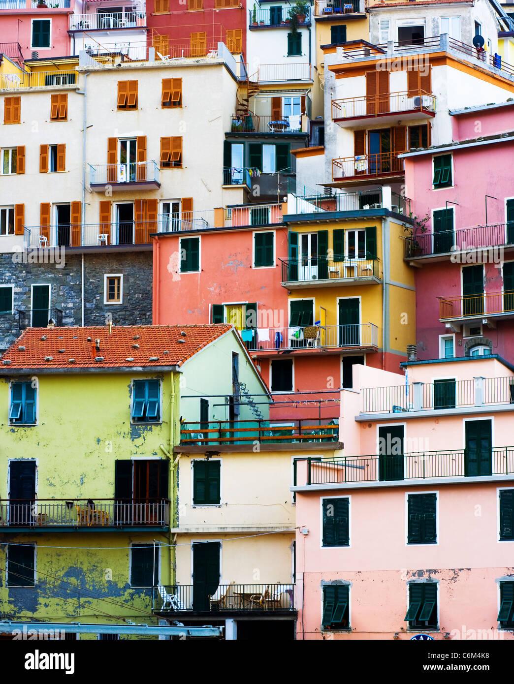 Bunte Gebäude in Cinque Terre, Italien. Stockbild