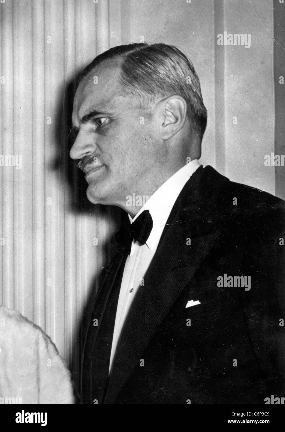 ARTHUR H. COMPTON (1892-1962) US Kernphysiker und Nobelpreisträger hier im Jahre 1942 Stockbild