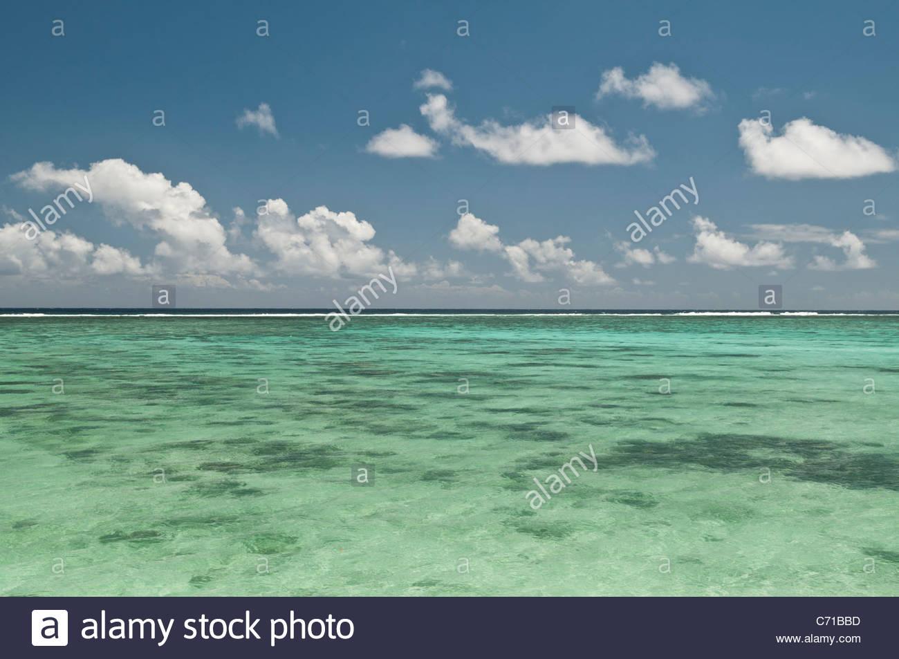 Lagune, Meer und Wolken, Rarotonga, Cook-Inseln. Stockbild