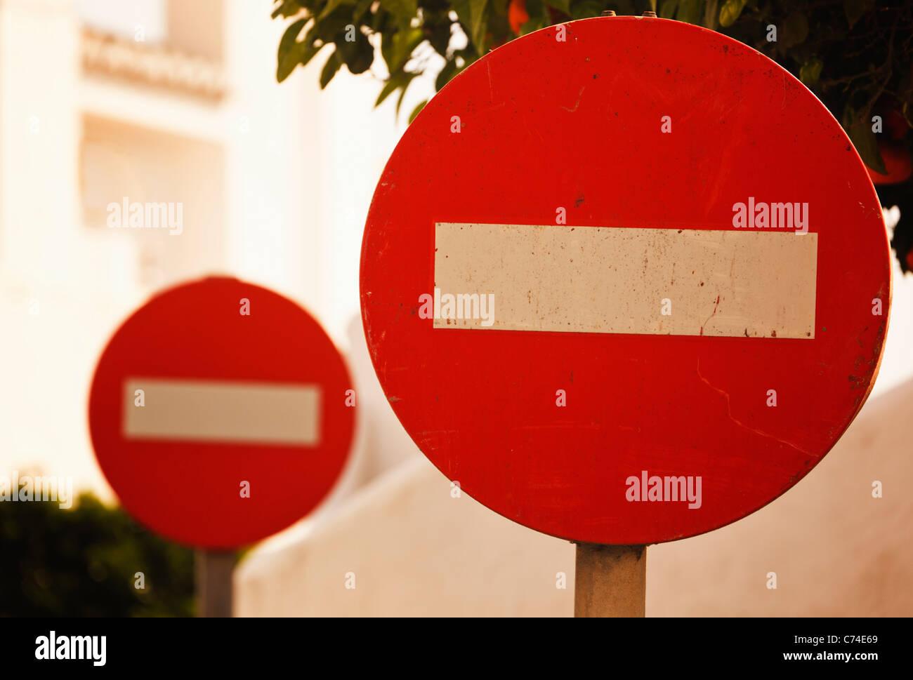 Zwei No Entry Verkehrszeichen. Stockbild
