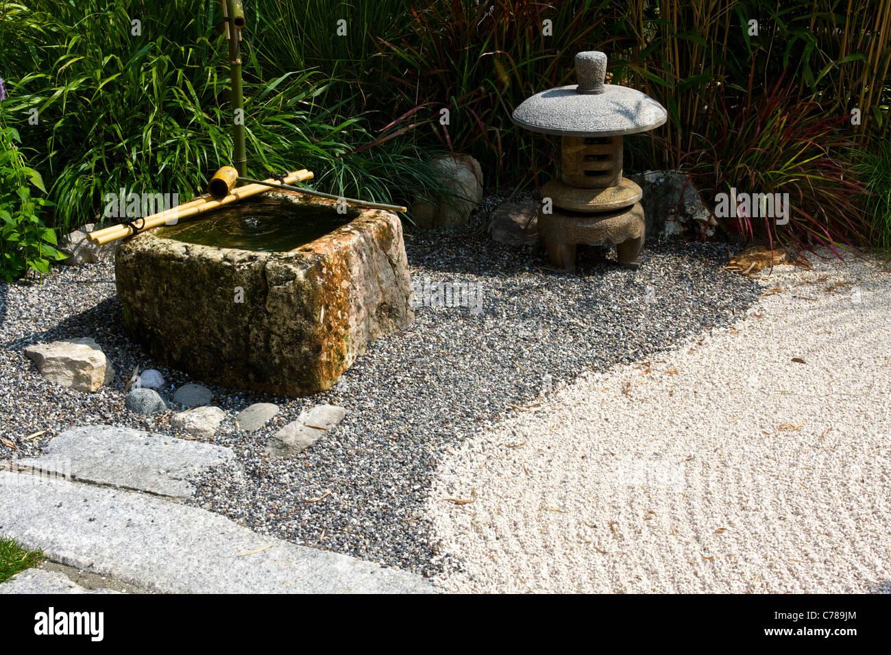 Japanischer garten mit bambus wasser weg von steinen und pflanzen stockfoto bild 38906524 - Garten mit bambus ...