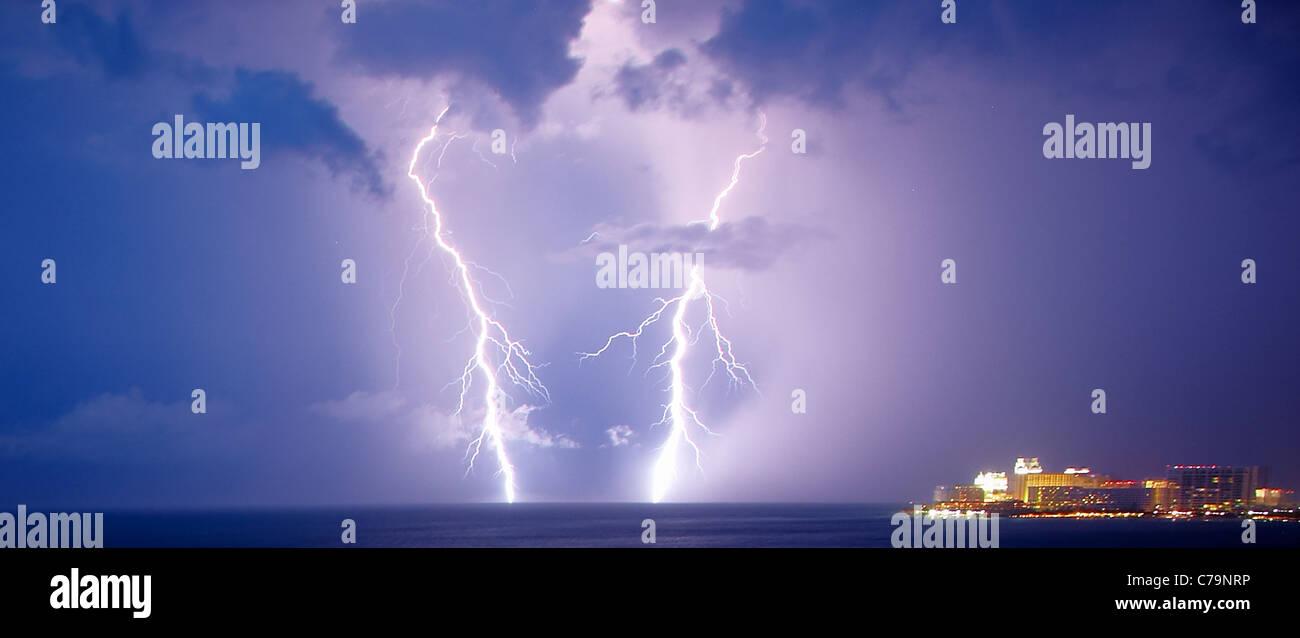 Gewitter über Cancun Mexiko Stockbild