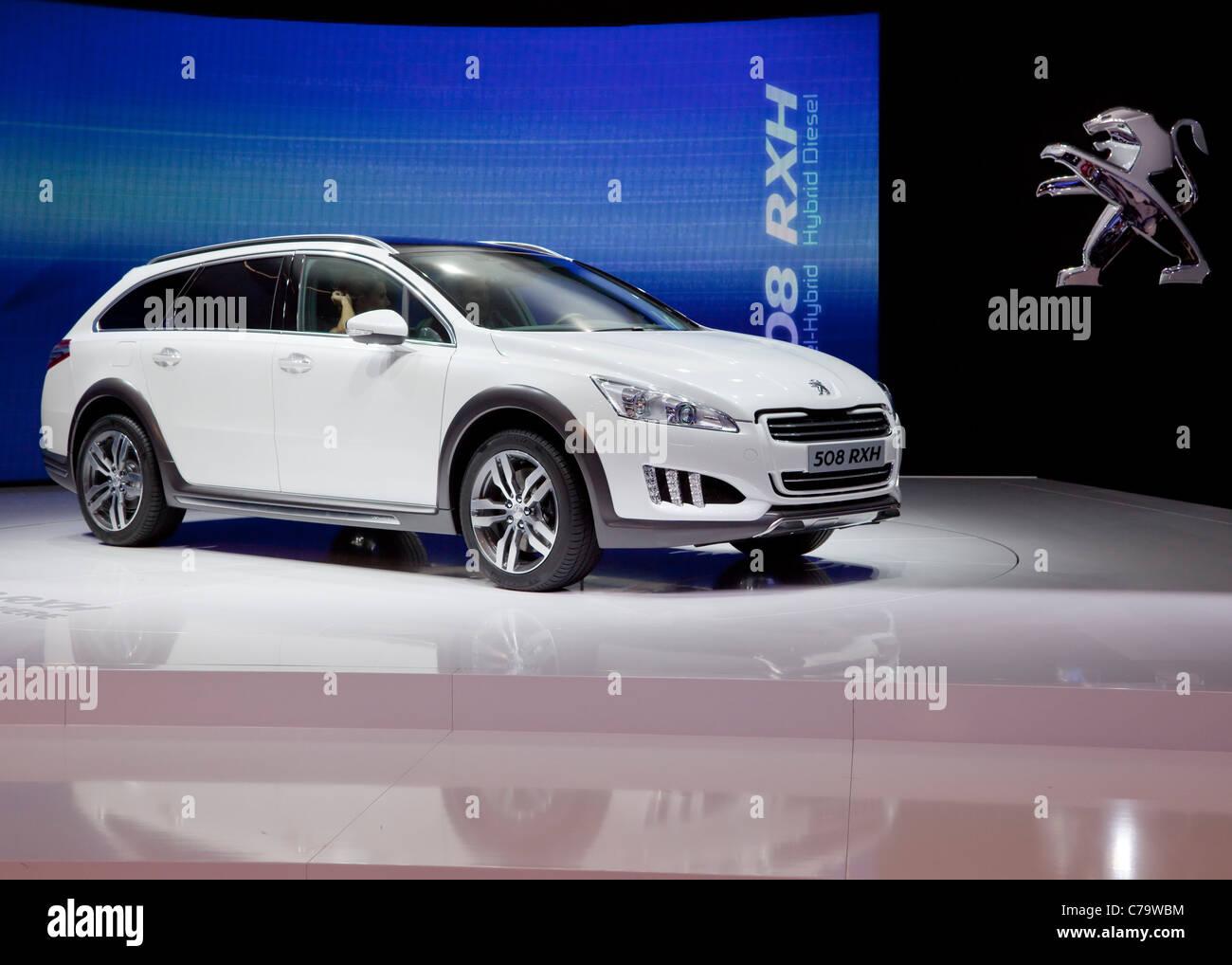 Neue Peugeot 508 RXH Diesel Hybrid-Auto auf der IAA 2011 International Motor Show in Frankfurt Am Main, Deutschland Stockbild