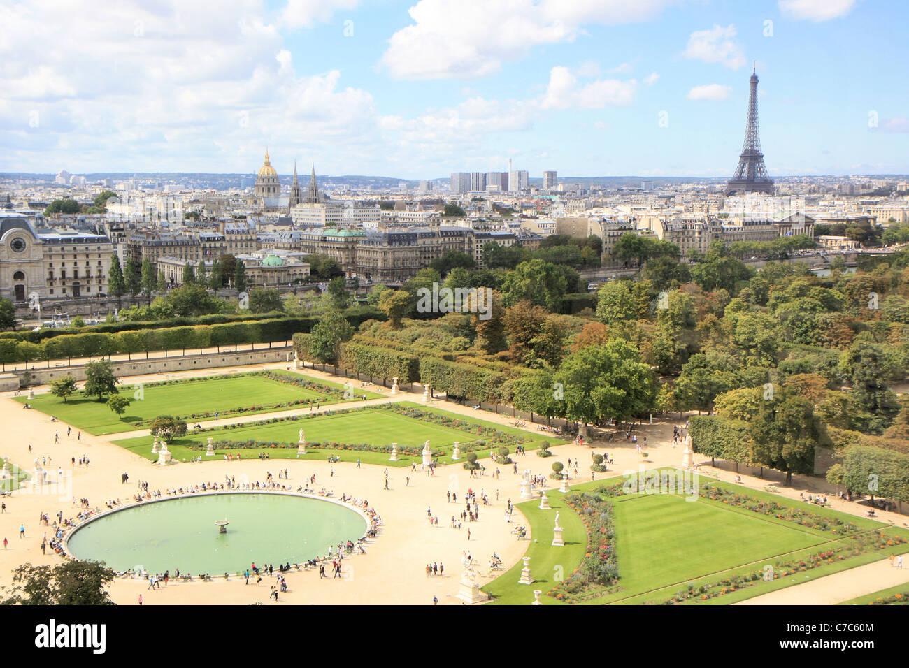 Luftbild des Jardin des Tuileries aus dem großen Rad, Paris ...