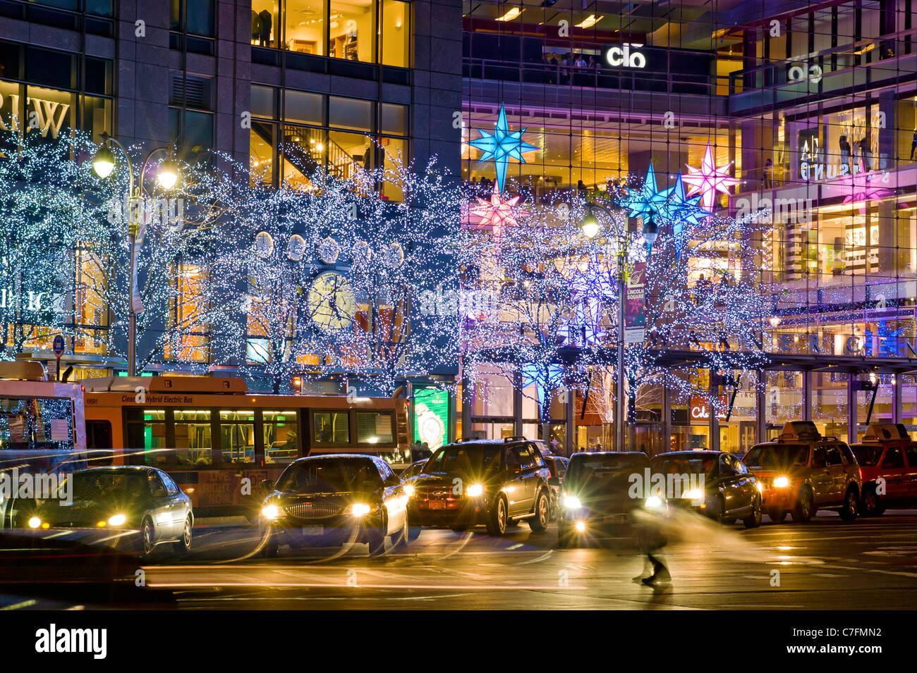 Weihnachtsschmuck Time Warner Center am Columbus Circle Stockbild