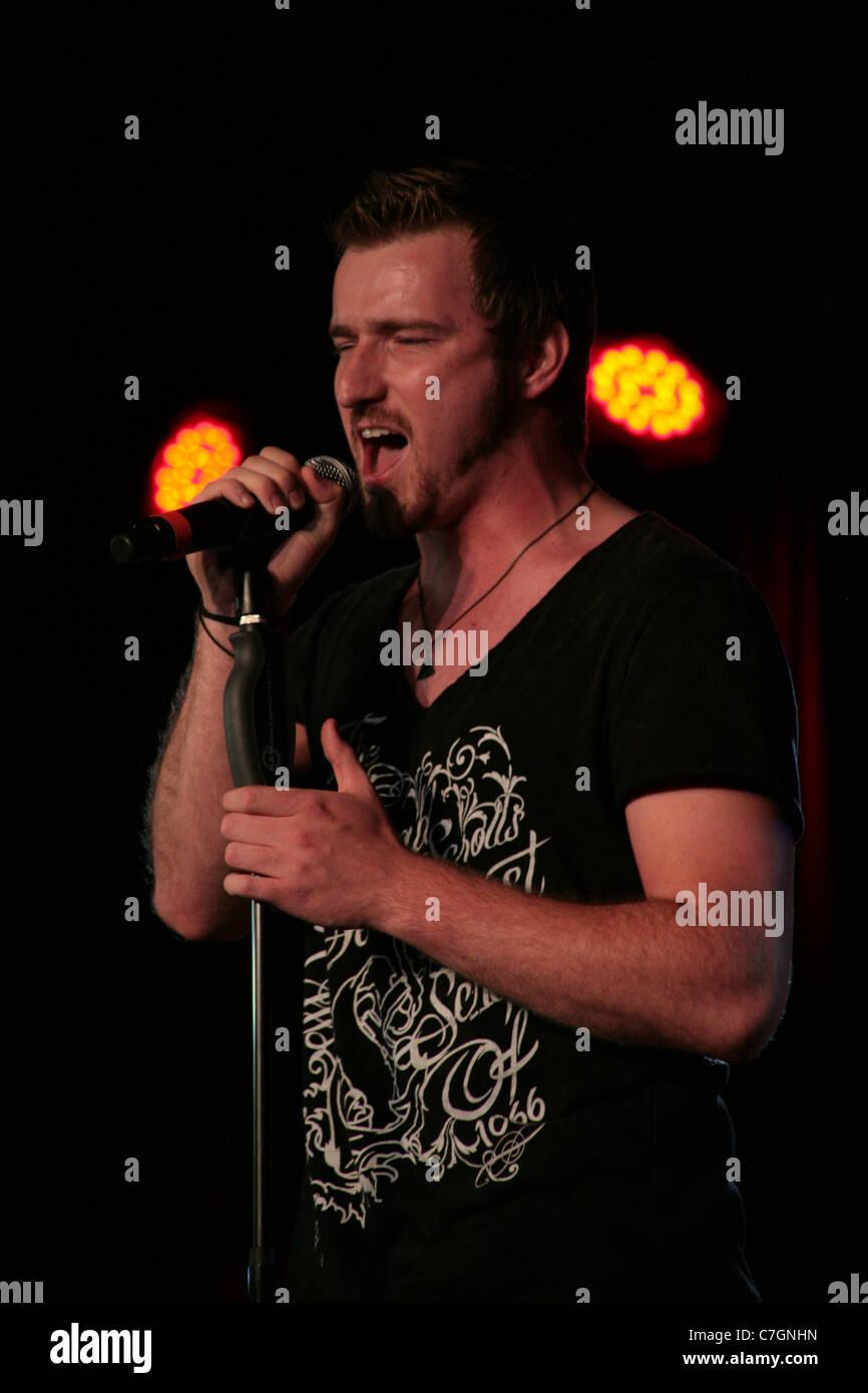 Jai McDowall, Britain Got Talent Gewinner 2011 Live auf der Bühne Stockbild