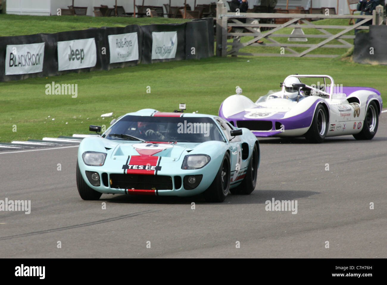 Historischer Motorsport bei dem Goodwood Revival, West Sussex, UK. Stockbild