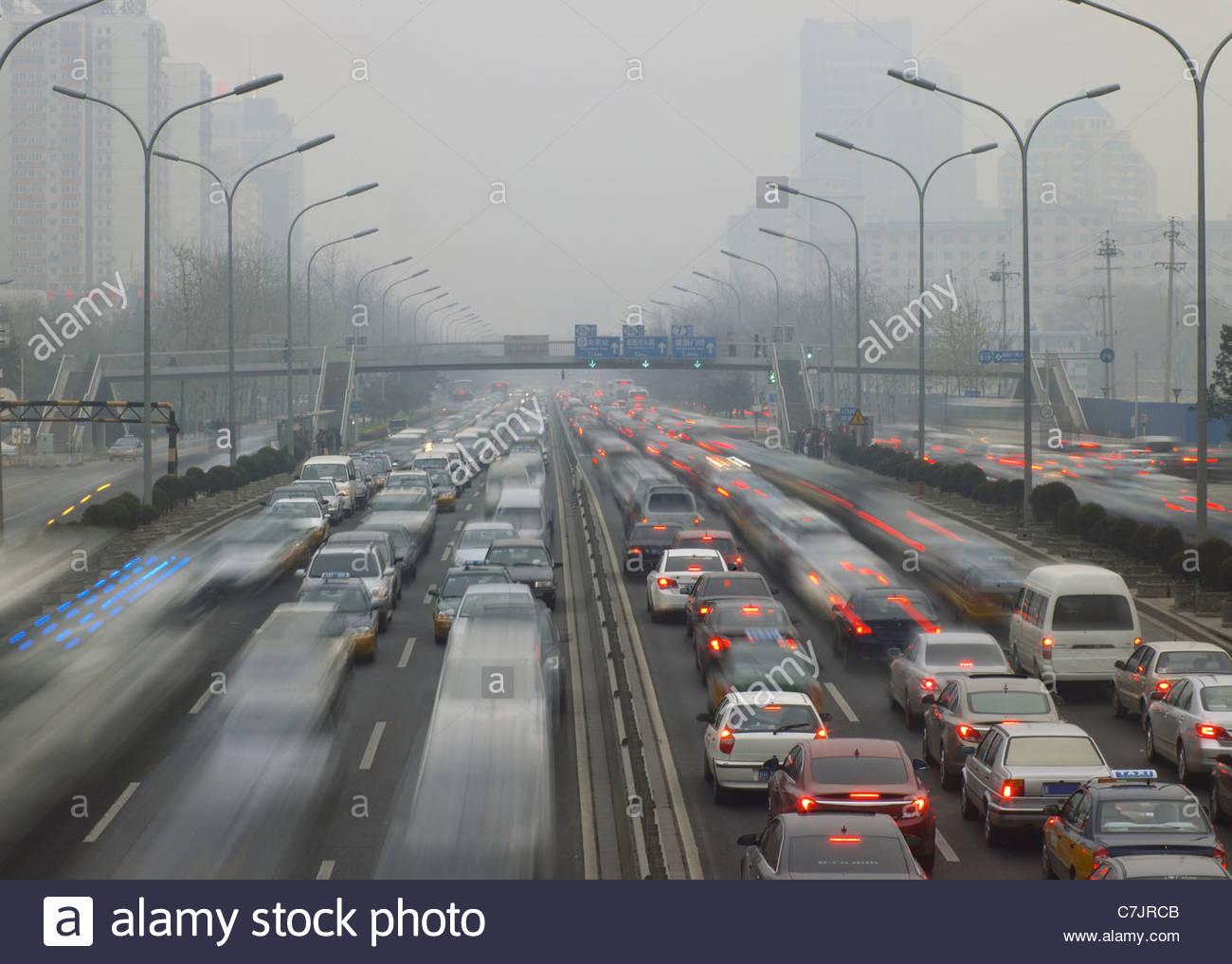 Zeitraffer Zeitansicht Verkehr auf Autobahn Stockbild