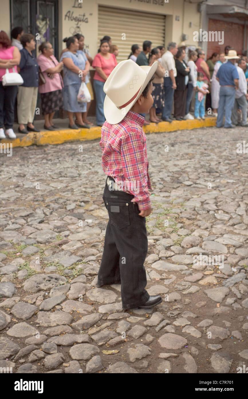 Ein junger Cowboy (Charro), bei den Unabhängigkeitstag feiern, Ajijic, Chapala, Jalisco, Mexiko. Stockbild