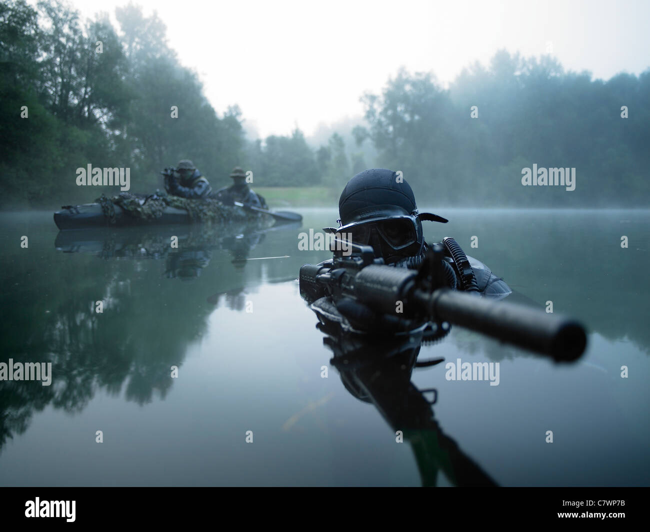 military raft stockfotos military raft bilder alamy. Black Bedroom Furniture Sets. Home Design Ideas